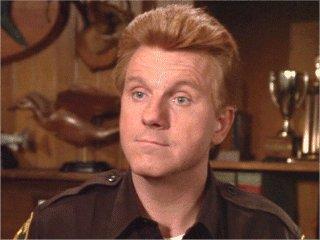Il vice sceriffo Floyd (Will Nye)